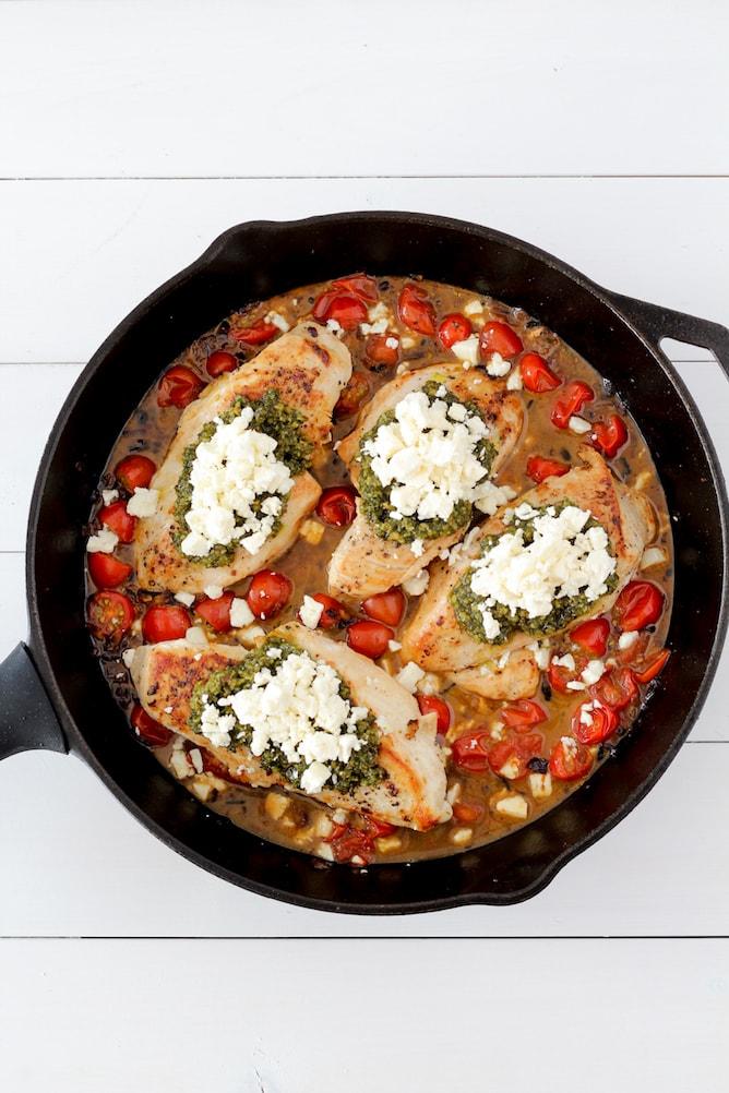 Pesto Baked Chicken | cookinginmygenes.com