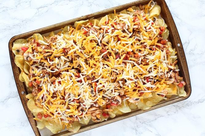Kettle Chip BBQ Chicken Nachos | cookinginmygenes.com