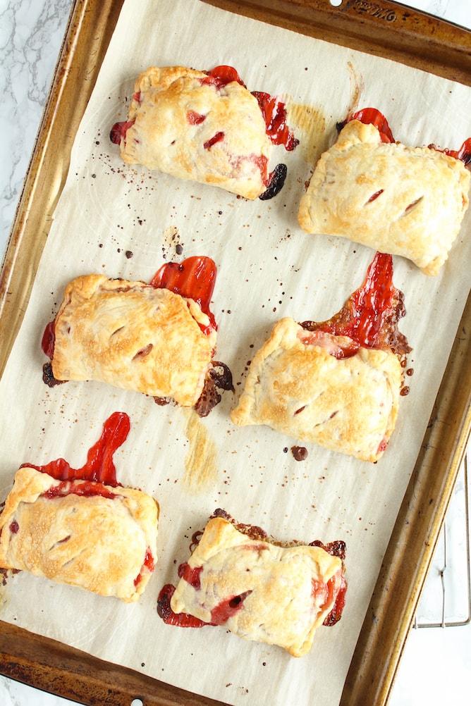 Strawberry Rhubarb Hand Pies | cookinginmygenes.com