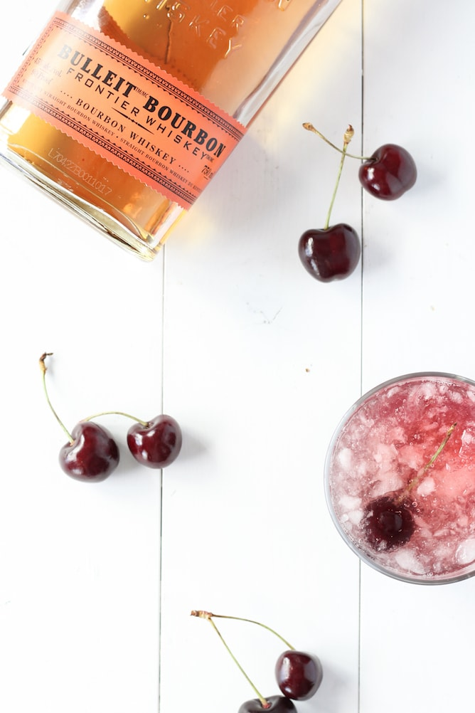 Cherry Bourbon Lemonade Smash | cookinginmygenes.com