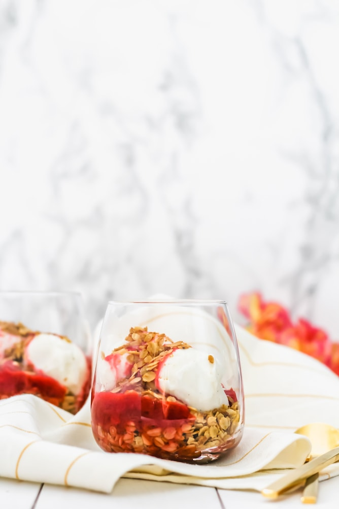 Strawberry Rhubarb Toasted Oat Sundae | cookinginmygenes.com