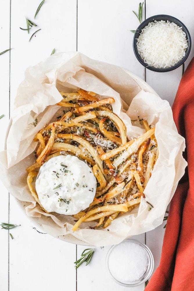 Baked Parsnips with Garlic Yogurt Dip | cookinginmygenes.com