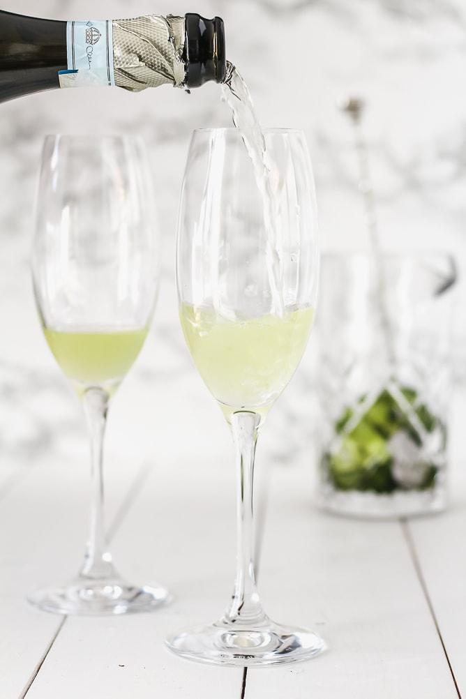 Minty Cucumber Gin Spritz | cookinginmygenes.com