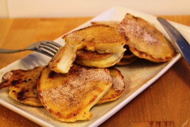 Oma's Apple Pancakes l cookinginmygenes.com