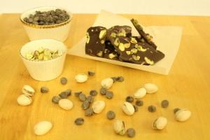 Pistachio-Chocolate Bark l cookinginmygenes.com