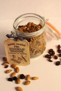 Coconut-Almond Granola l Edible Gifts l cookinginmygenes.com