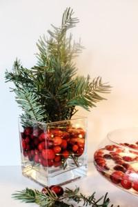 DIY Holiday Centrepiece I www.cookinginmygenes.com