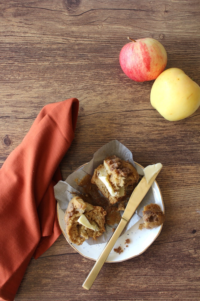 Momma's Apple Muffins l cookinginmygenes.com