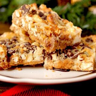 Chocolate Pretzel Bars | cookinginmygenes.com