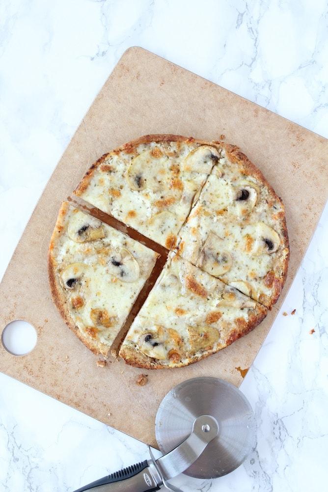 White Mushroom Pita Pizza | cookinginmygenes.com