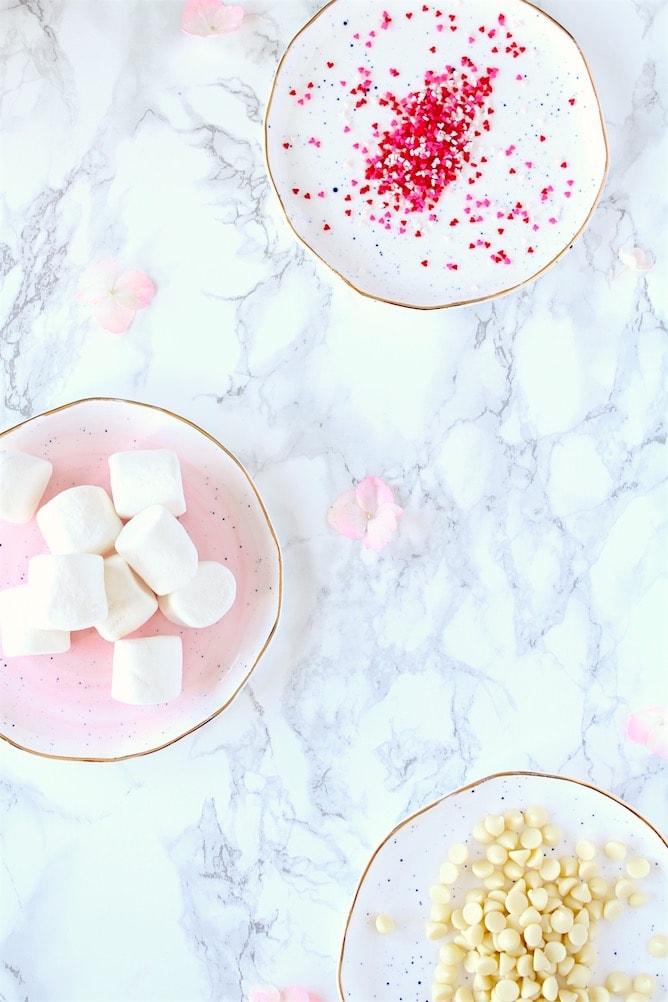 Easy DIY Valentine's Day Chocolates | cookinginmygenes.com