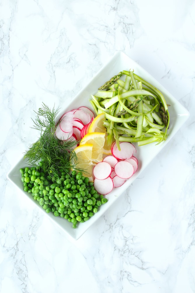 Spring Vegetable Bowl with Lemon and Dill Chicken | cookinginmygenes.com