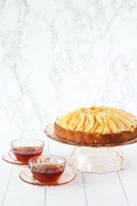 Apple Sponge Cake | cookinginmygenes.com