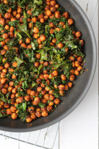 Tex-Mex Sweet Potatoes with Chickpeas and Kale | cookinginmygenes.com