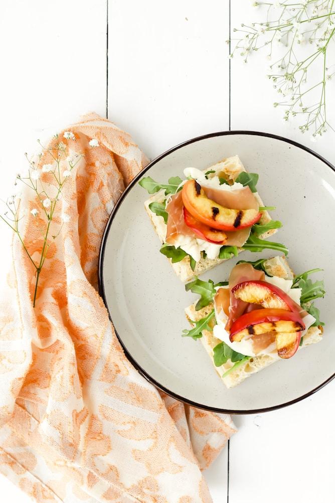 Peach & Prosciutto Summer Focaccia | cookinginmygenes.com