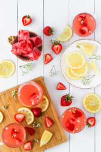Strawberry Lemonade Rosé Punch | cookinginmygenes.com