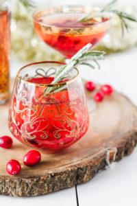 Cranberry Rosé Fizz Cocktail | cookinginmygenes.com