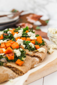 Roasted Sweet Potato Kale Flatbread | cookinginmygenes.com