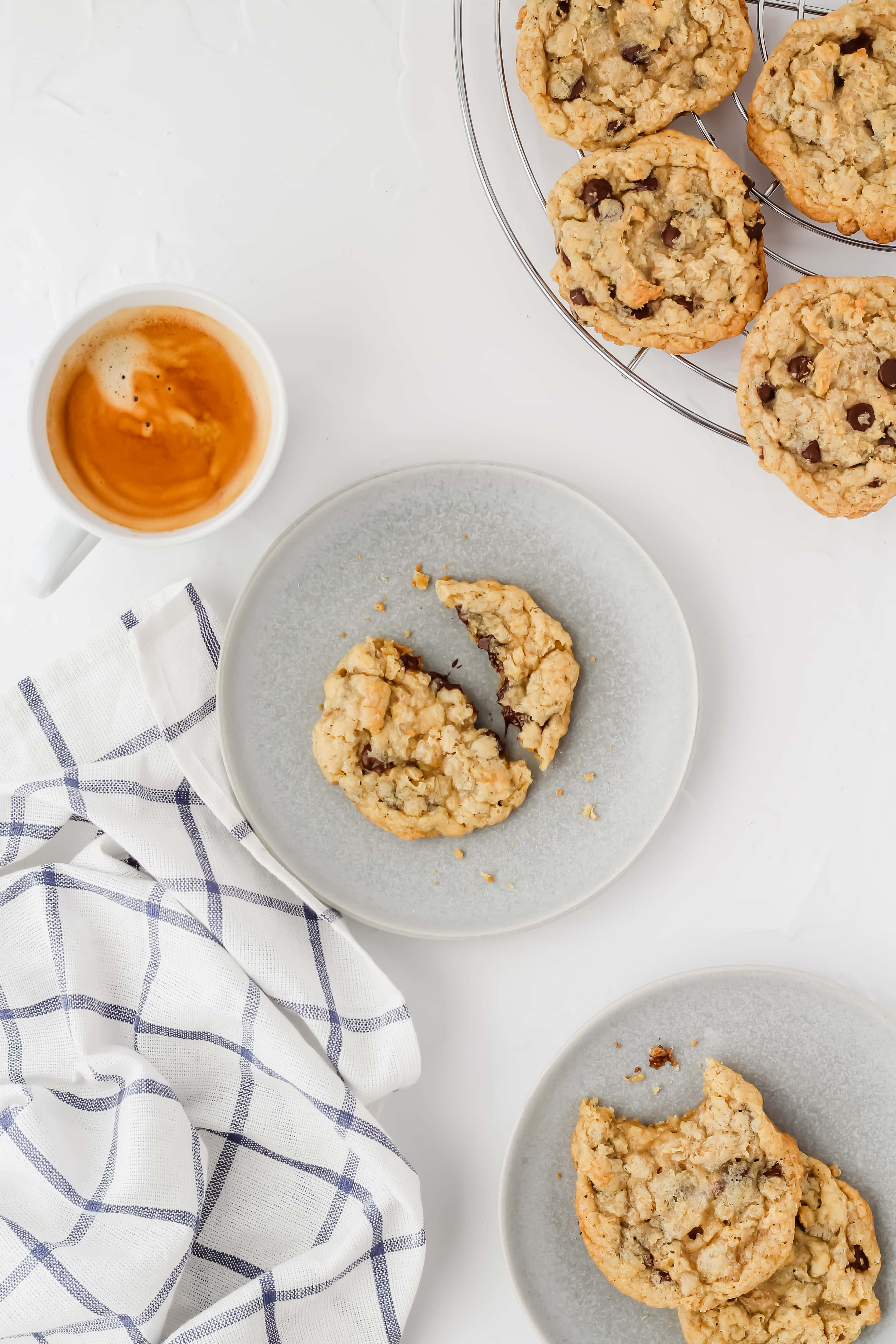 One Bowl Oatmeal Chocolate Chip Cookies