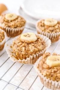 Peanut Butter Banana Baked Oatmeal Cups
