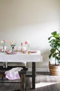 Simple Easter Brunch Menu & Decor Ideas