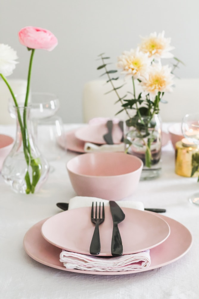 Simple Easter Brunch Menu & Decor Ideas
